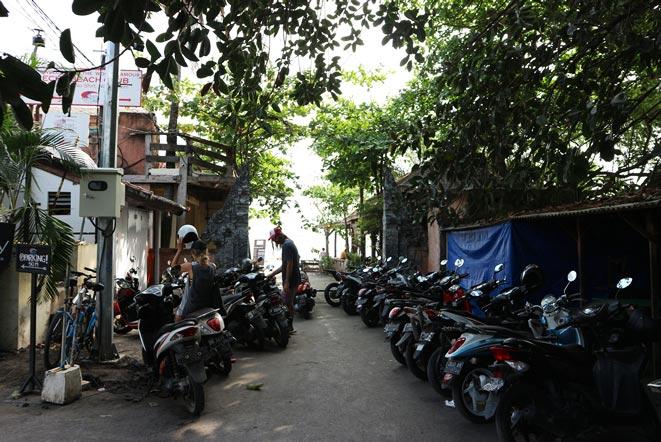 バリ島エコビーチの駐車場