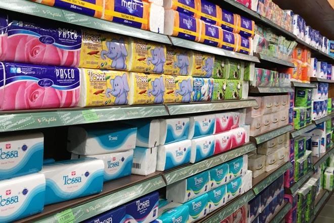 バリ島「ペピト(pepito)」スーパーマーケットの生活日用品売り場