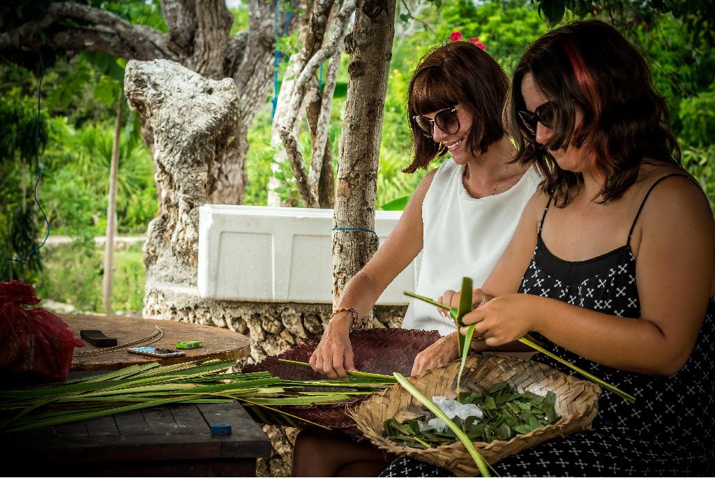バリ島のお供え物チャナン作り