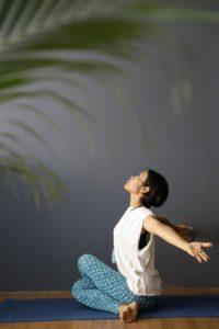 バリ島udana yoga のトモコさん
